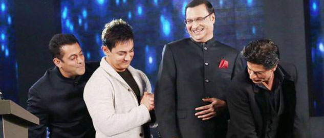Shah Rukh, Salman, Aamir share the same stage: Khantastic Moment