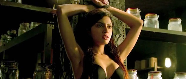 Sapna Pabbi says she's not Sunny Leone and lashes out at Vikram Bhatt