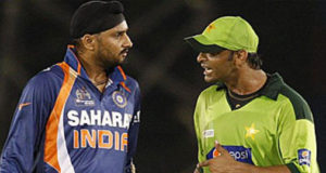 Shoaib Akhtar once thrashed me and Yuvraj Singh in a room: Harbhajan Singh