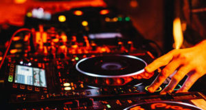 Top Three Young Nightlife Djs In Mumbai Who Will Make You Groove On Their Beats!