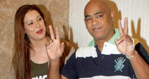Vinod Kambli and wife Andrea Hewitt allegedly assaulted a 59-year-old man, who is Ankit Tiwari's father, accuses him for touching her inappropriately!